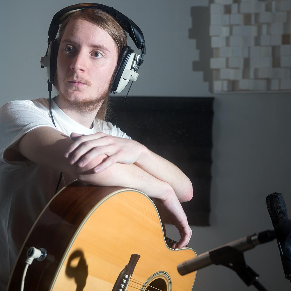Tez Skachill - Songwriter - Musician - Guitar Tutor